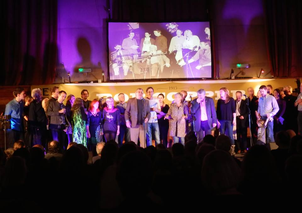 Thousands or More - the finale at Bobstock - thanks to Steve Hunt for the photo